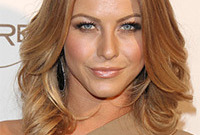 Julianne-hough-hair-color-transformation-side