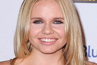 Great-face-wrong-hairstyle-alli-simpson-side