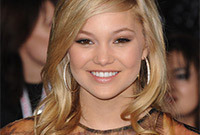 Olivia-holt-hairstyles-side