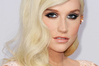 Kesha-glam-look-she-scrubs-up-well-side