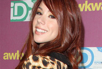 Jillian-rose-reed-makeup-ideas-for-deep-red-hair-side