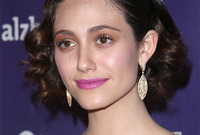 Emmy-rossum-makeup-fabulous-or-fail-side