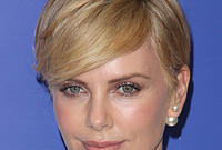 Latest short hairstyles on the red carpet side