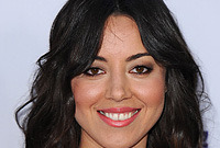 Aubrey plaza hairstyles and makeup side