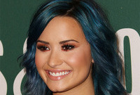 Demi lovato jewel tone hairstyle and makeup to match