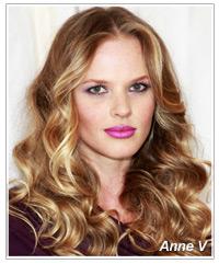 Anne V hairstyles