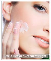 Model moisturising face