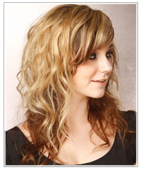 Model with wavy hair