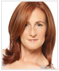 Model with medium length copper hair