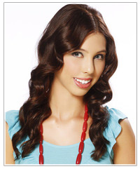 Model with wavy brunette hair