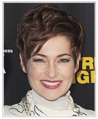 Carolyn Hennesy hairstyles