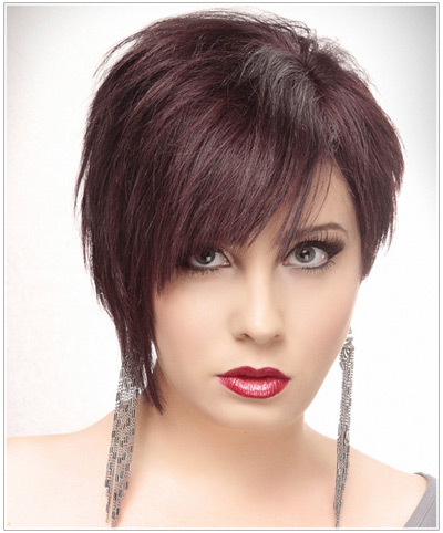 Model with short asymmetrical bob hairstyle