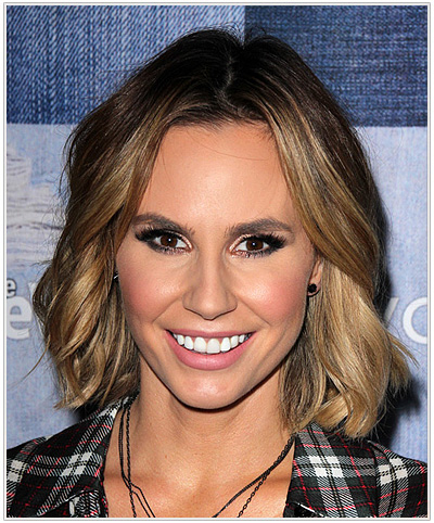 Keltie Knight Medium Wavy Hairstyle
