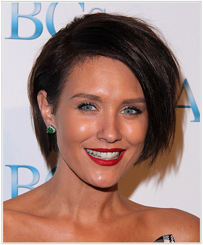 Nicky Whelan Short Straight Brunette Hairstyle