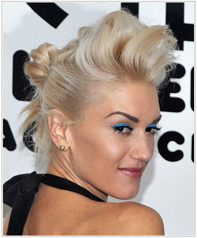 Gwen Stefani Long Straight Blonde Hairstyle.