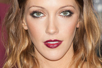Katie cassidy vampy hairstyle makeup side