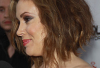 Alyssa milano throwback to the eighties hairstyle and makeup side