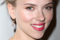 Scarlett johanssons hollywood glamour makeup side