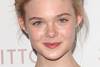 Elle fanning teenage makeup side
