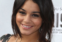 What is going on with vanessa hudgens hair side