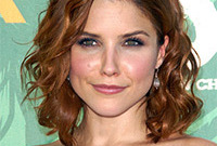 Sophia bush makeup and hair for square face shapes side