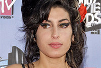 Amy winehouses iconic retro look side