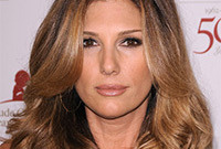 Daisy fuentes makeup for tanned skin side