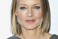 Jodie foster simple makeup style side
