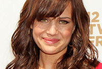 Carla gugino gorgeous makeup for warm brown hair side