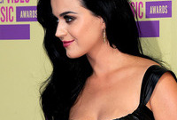 Katy perry long romantic hairstyle side