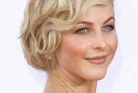 Julianne hough vintage hair and makeup side