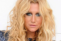 Kesha glam rock hair and makeup side