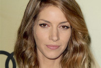 Dawn olivieri hairstyle for a narrow face side