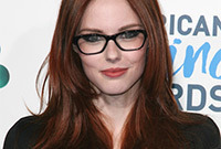 The best hairstyles for black framed glasses side